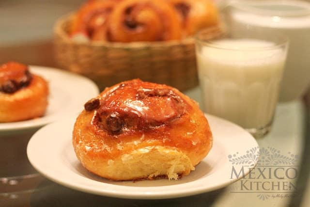 Cinnamon Rolls Mexican Sweet Bread Recipe (Rolles de Canela)