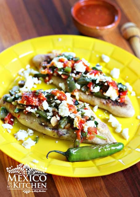 How to Make Tlacoyos | Mexican Recipes