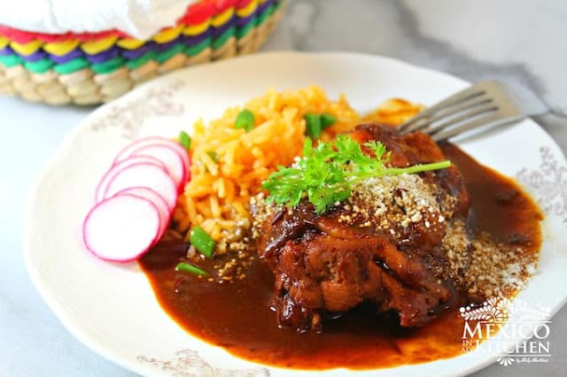 Easy Mole Sauce with chicken | Mexican Recipes
