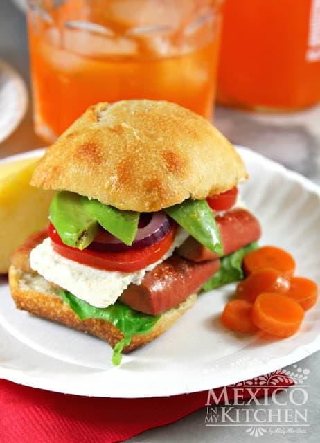 Mexican Sausage Sandwich | This recipe is done in minutes!
