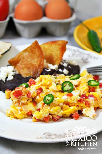 Mexican Style Scrambled Eggs Huevos A La Mexicana Mexico In My Kitchen