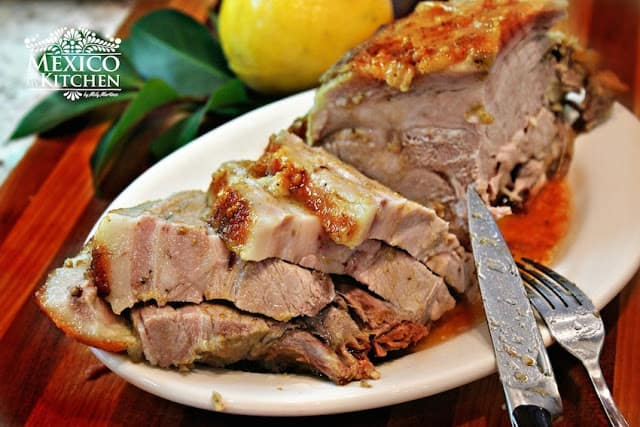 Roasted pork leg recipe | easy and with excellent results to impress your guests.