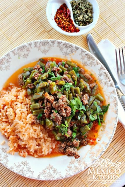 Nopales with ground beef in a piquin sauce | Mexican Recipes