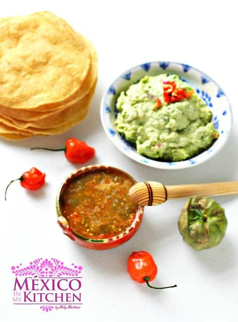 Habanero tomatillo salsa recipe | Mexican Recipes | step by step instructions with photos of the process.