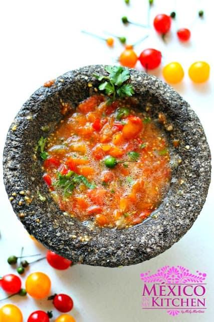 Raw sauce cherry tomatoes salsa